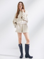 [SET 할인] [5월 말 재입고예정] Dolman Sleeve Sweatshirt + Out Pocket Short Sweat Pants [Butter Cream]